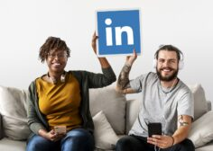 https://www.advancecareer.com.cy/wp-content/uploads/2021/03/people-holding-linkedin-logo-236x168.jpg